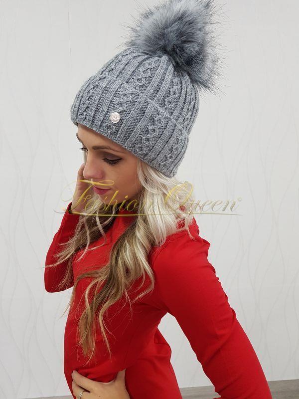 f9ff2e7ce Fashion Queen - Dámske oblečenie a móda - Zimná čiapka s brmbolcom